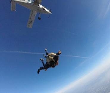 Tandem, Baptème de parachute à dans le sud de la France